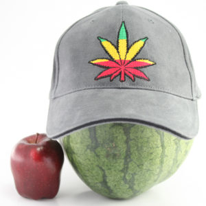 Casquette Grise Flexfit Feuille de Cannabis